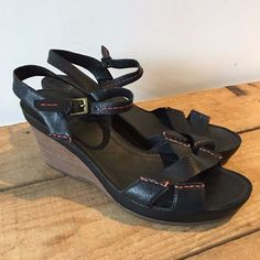 b8b718f8eac0a3 UK SIZE 8 WOMENS CLARKS BLACK LEATHER WEDGE SANDALS RED STITCH  Clarks   WedgeStrappySandals