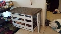 Rustic Dog Crate From Upcycled Pallets