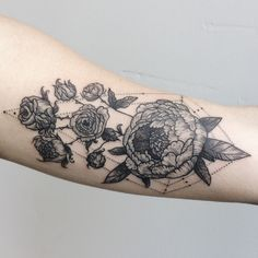 I like the geometric incorporated with the peonies. Alternative to the hand holding flowers