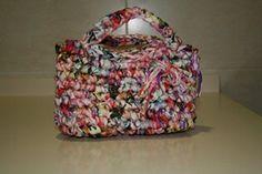lovely people :) Hecho con amor y con nuestros materiales, enviada por Alicia #bag #handmade #crochetXXL #sacocharte #trapillo