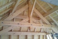 Charpente apparente traditionnelle Loft, Chic, Carpentry, Woodworking, Houses, Brick, Farms, Wood Construction, Architecture
