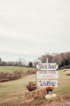 rustic diy vintage wedding sign / http://www.deerpearlflowers.com/vintage-bohemian-wedding-ideas/
