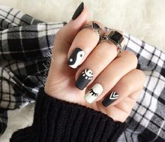 The black nail designs are stylish. Black nails are an elegant and chic choice. Color nails are suitable for… American Manicure Nails, Nail Manicure, Gel Nails, White Nail Designs, Nail Art Designs, Nails Design, Gorgeous Nails, Pretty Nails, Yin Yang Nails