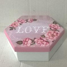 Caixa sextavada G. Tinta pva cintilante Corfix branca e  rosa bebê. Papel scrap decor Litoarte SDSXX 4