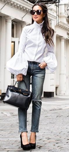 how to wear jeans bag + heels + white blouse
