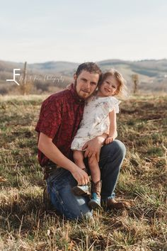 Western Family Photos, Farm Family Pictures, Banner Elk, Farm Photography, Laugh A Lot, Her Style, Crow, Couple Photos, North Carolina