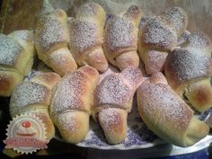 undefined Hot Dog Buns, Hot Dogs, Nutella, Delicious Desserts, Muffin, Food And Drink, Sweets, Bread, Cookies