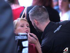 Un make-up di facile applicazione e lunga durata per un'immagine impeccabile. 📌 #RossoAlitalia: a lipstick designed to enhance the natural femininity of every woman #ddpRossoAlitalia #diegodallapalmamilano