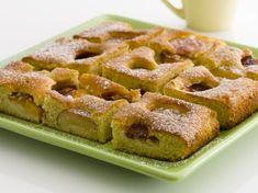 Prăjitură rapidă cu prune.  Excelent de gustoasă si poate fi facuta cu ingrediente putine Thing 1, Waffles, Baking, Breakfast, Morning Coffee, Bakken, Waffle, Backen, Sweets