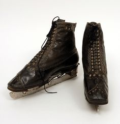 Beautiful ice-skates from 1862