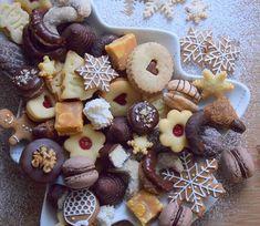 tak dneska už konečně přijde ten Ježíšek!! 😄 Všem Vám přeju krásné a pohodové svátky 😊 #cukrovi #vanoce #vanoce2018 #christmascookies #christmasbaking #instabake #yummy #linzercookies #linecke #peceni #kipferl #rohlicky #toffee #homebaked #homebaker #foodie #foodphotography #gingerbreadcookies #pernicky #czechrepublic #czech #avecplaisircz Christmas Baking, Christmas Cookies, Toffee, Waffles, Tacos, Food And Drink, Pudding, Breakfast, Happy