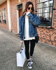 Jean Jacket Outfits, Legging Outfits, Denim Jacket Outfit Winter, Oversized Denim Jacket Outfit, Jacket Jeans, Sweater Outfits, Skirt Outfits, Look Fashion, Autumn Fashion