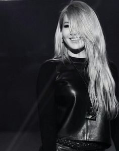 Find images and videos about kpop, and CL on We Heart It - the app to get lost in what you love. Kpop Girl Groups, Korean Girl Groups, Kpop Girls, Cl 2ne1, Cl Fashion, Kpop Fashion, Christina Aguilera, Btob, Aaliyah