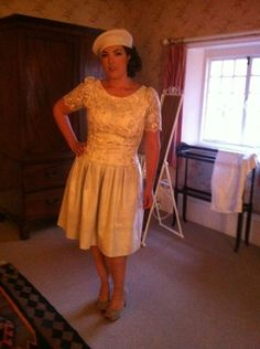 Hampton Court Palace, June 22 2012 Skirt: French Connection Top: Vintage, Beyond Retro London Shoes: Marina Rinaldi