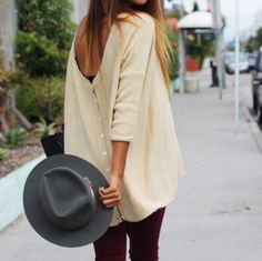 Sweater by Gypsy Junkies, street style outfit Blusas Oversized, Oversized Sweaters, Oversized Tops, Oversized Blouse, Mode Style, Style Me, Outfits Leggins, Mode Shoes, Look Fashion