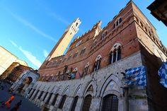 Palazzo pubblico - Foto di Gianluca Mele photographer su Flickr - https://www.flickr.com/photos/giangio1975/11562879993/ - #Siena #Toscana #PiazzaDelCampo