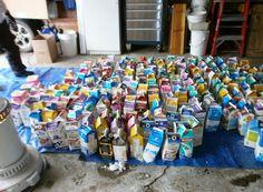 Was dieses Paar mit dutzenden Milchkartons angestellt hat, ist absolut genial.