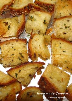 Homemade Croutons - Powered by Cooking Bread, Cooking Recipes, Cooking Bacon, Vegetarian Cooking, Easy Recipes, Crouton Recipes, Good Food, Yummy Food, Tasty