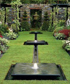 Композиция с фонтаном для цветочной выставки в Челси.