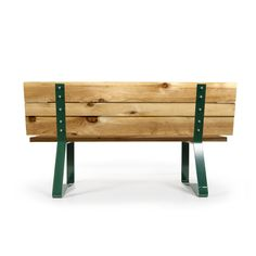 A beautiful all-natural pine bench for golf courses.