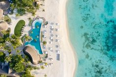 What constitutes a resort experience for the 'gypsetters'? Muza Lab and HBA have reimagined a Maldives resort as a carefree paradise for free-spirited jetsetters, making the most of an extraordinary setting. Interior Design Hd, Maldives Resort, World Travel Guide, Leading Hotels, Beach Bungalows, Island Resort, Best Vacations, 5 Star Hotels, Instagram