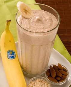 Banana Oatmeal Smoothie 2 whole Chiquita Bananas (best with brown flecks on peel) 2 cups Ice cup Yogurt - preferably Greek yogurt flavored with honey cup Cooked oatmeal cup Almonds Low Calorie Smoothie Recipes, Smoothie Recipes Oatmeal, Banana Oatmeal Smoothie, Smoothie Drinks, Breakfast Smoothies, Healthy Smoothies, Healthy Drinks, Oreo Smoothie, Smoothie Packs