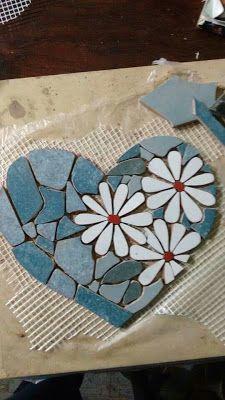 Related Image – My Wedding – Mosaic Mosaic Garden Art, Mosaic Tile Art, Mosaic Artwork, Mosaic Crafts, Mosaic Projects, Mosaic Rocks, Mosaic Stepping Stones, Pebble Mosaic, Mosaic Glass