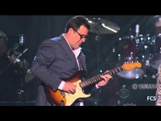 How Great Thou Art - Carrie Underwood & Vince Gill