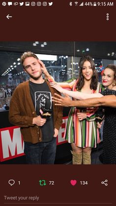 Best Series, Best Tv Shows, Marvel Memes, Marvel Dc Comics, Iain De Caestecker, Fitz And Simmons, Adorable Pictures, Marvels Agents Of Shield, Chloe Bennet