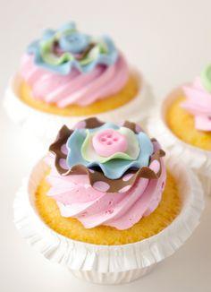 Fabric-inspired Lemon cupcakes with raspberry Italian meringue buttercream Pretty Cupcakes, Beautiful Cupcakes, Yummy Cupcakes, Cupcake Cookies, Flavored Cupcakes, Button Cupcakes, Lemon Cupcakes, Buttermilk Cupcakes, Cute Cakes