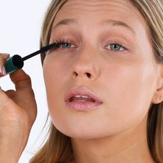 Instantly create the look of lash extensions with this award-winning, best-selling mascara powered by technology that won't clump, flake or smudge! Our proprietary formula is designed with sensitive eyes in mind. Eye Makeup Tips, Skin Makeup, Makeup Inspo, Makeup Inspiration, Beauty Skin, Beauty Makeup, Hair Beauty, Lash Extension Mascara, Lash Extensions