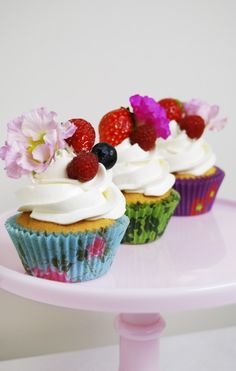 very happy and cute cupcakes