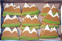 Thanks to pscsgrrl for the mountain cookie idea.  I had a client that requested mountain cookies for her friends coming to visit the Rockies here.  Just sugar cookies with Antonia's RI.