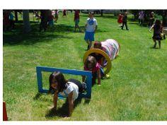 Una idea de bajo impacto en el bolsillo para crear una carrera de obstáculos | Kinder Kapers: Five for Friday...School's out!!
