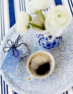 Amazing blue tray Picinc by Evelina Waldemarsson! #nordicdesigncollective #tray #homedecor #blue #evelinawaldemarsson #kitchen #interiordesign #serve #home #decor #design #nordic #nordicdesign #picnic #coffee #flower #white #blue #pattern #eat #card #stripes #ocean #sea #harmony