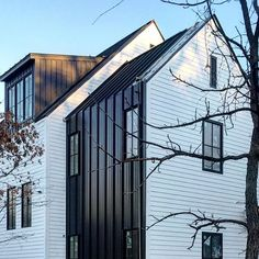 47 Ideas exterior wood cladding ideas metal roof for 2019 House Cladding, Metal Cladding, Metal Siding, Exterior Cladding, House Siding, Exterior Stairs, Black House Exterior, Exterior House Colors, Exterior Design
