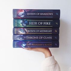 I am so very emotional. They're so pretty!!  I will be starting it tonight because I have studying to do and if I start now I WILL NOT STOP! Ahhhhhh! ❤️✨#queenofshadows