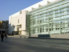 Image library the Museum of Contemporary Art in Barcelona by Richard Meier.