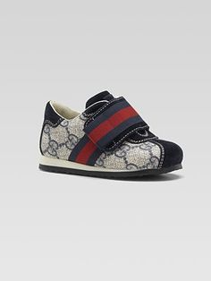 Gucci sneakers...if I had it Like that!!