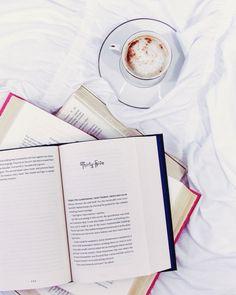 Kinder mliečny rez – rýchly a výborný koláčik bez múky! Reading Music, I Love Reading, Reading Lists, Reading Books, I Love Books, Good Books, Books To Read, Book Writer, Book Nerd
