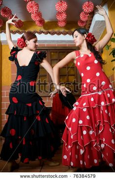 Feria De Sevilla Costumes | ... traditional flamenco dresses dance during the Feria de Abril on April
