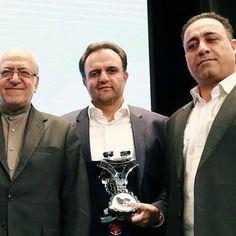 مدیران سیمند کابل در کنار وزیر محترم صنعت، معدن و تجارت در شانزدهمین همایش رعایت حقوق مصرف کنندگان