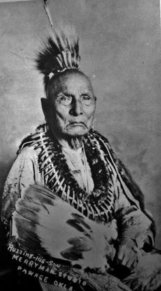 Ke-wuck-oo-lel-la-shar (aka Fox Chief, aka Ruling His Son) - Pawnee - before his death in 1928 Native American Warrior, Native American Pictures, Native American Beauty, Native American Tribes, Native American History, Native Americans, Indian Pictures, Trail Of Tears, Native Indian