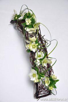 Contemporary Flower Arrangements, Creative Flower Arrangements, Ikebana Arrangements, Silk Floral Arrangements, Floral Centerpieces, Art Floral, Deco Floral, Floral Design, Flower Show