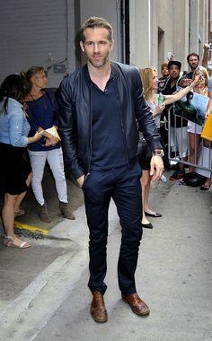 scarpe marroni giacca nera