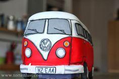 """Heute zeige ich euch wie ich meinen   VW-Bus { T1 }         gebacken und zusammengebaut habe.   Ich habe dafür den """"Wunderkuchen"""" in der ..."""