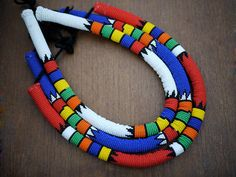 traditional beaded Zulu necklace handmade in South Africa.   www.the2bandits.com