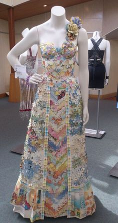 Fairy Princess dress made entirely from children's book.s The one in the back looks like it was made from pop can pull tabs Paper Fashion, Fashion Art, Fashion Show, Fashion Design, Recycled Costumes, Recycled Dress, Recycled Clothing, Paper Clothes, Paper Dresses