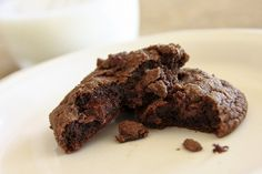 DOUBLE CHOCOLATE CHIP COOKIES I made them yesterday and they turned out soft and very good. I didn't have chocolate chips at home and used dark chocolate, cut into small pieces instead. Julia - Vintage with Laces