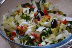 7 salate delicioase cu varza. Salate vegane pentru slabit sanatos – Sfaturi de nutritie si retete culinare sanatoase Raw Vegan, Metabolism, Pasta Salad, Ethnic Recipes, Food, Baby, Diet, Crab Pasta Salad, Newborns